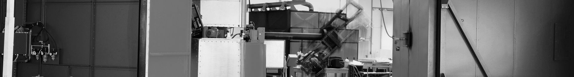 Multifonctionnelle, automatisée, encombrement réduit : installations de roto-moulage_Headerbild